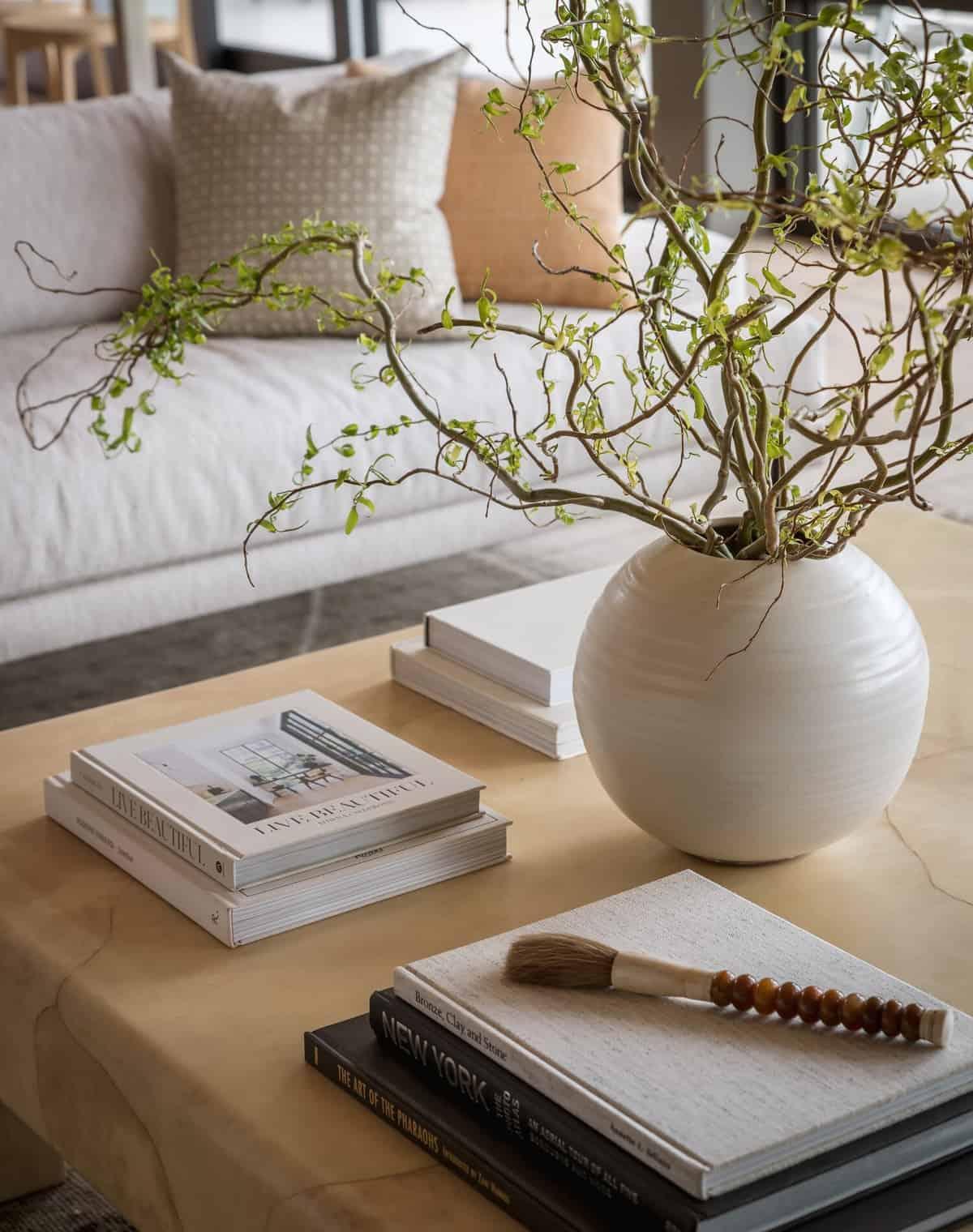 scandinavian-modern-living-room-coffee-table