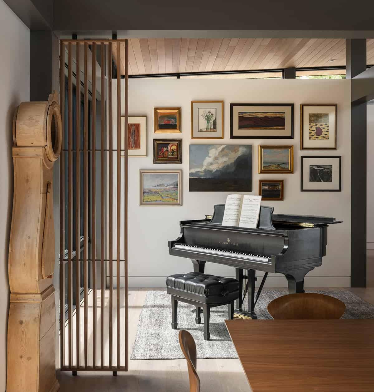 scandinavian-modern-piano-room