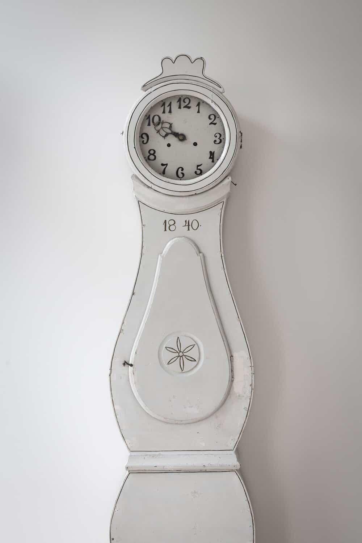 scandinavian-clock