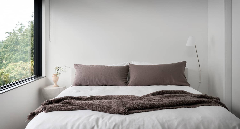 scandinavian-modern-bedroom