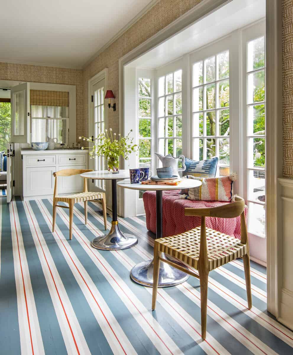 cottage-kitchen-breakfast-nook-with-a-large-window