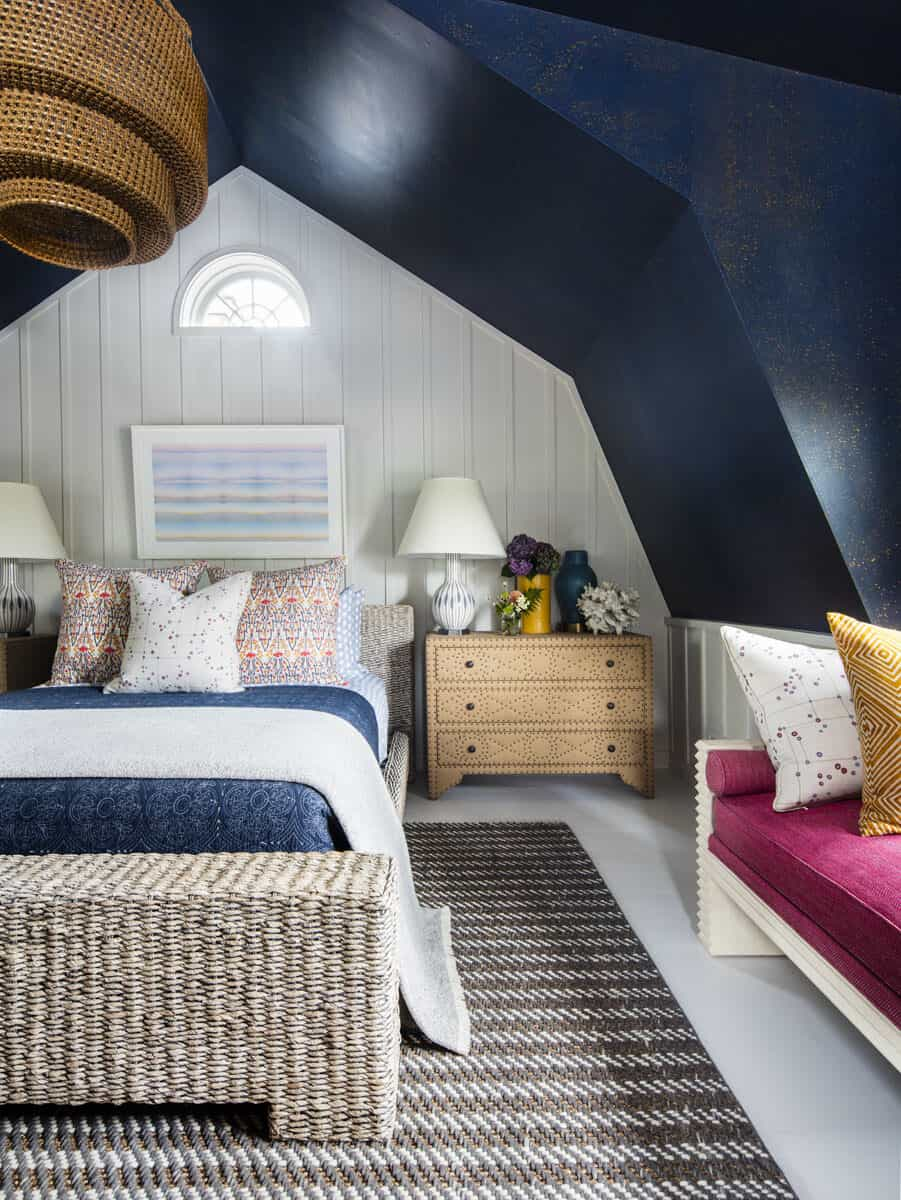 cottage-beach-style-guest-bedroom