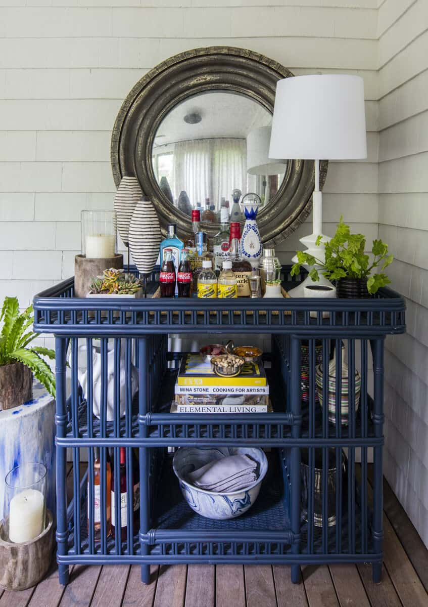 cottage-covered-front-porch-bar-cart