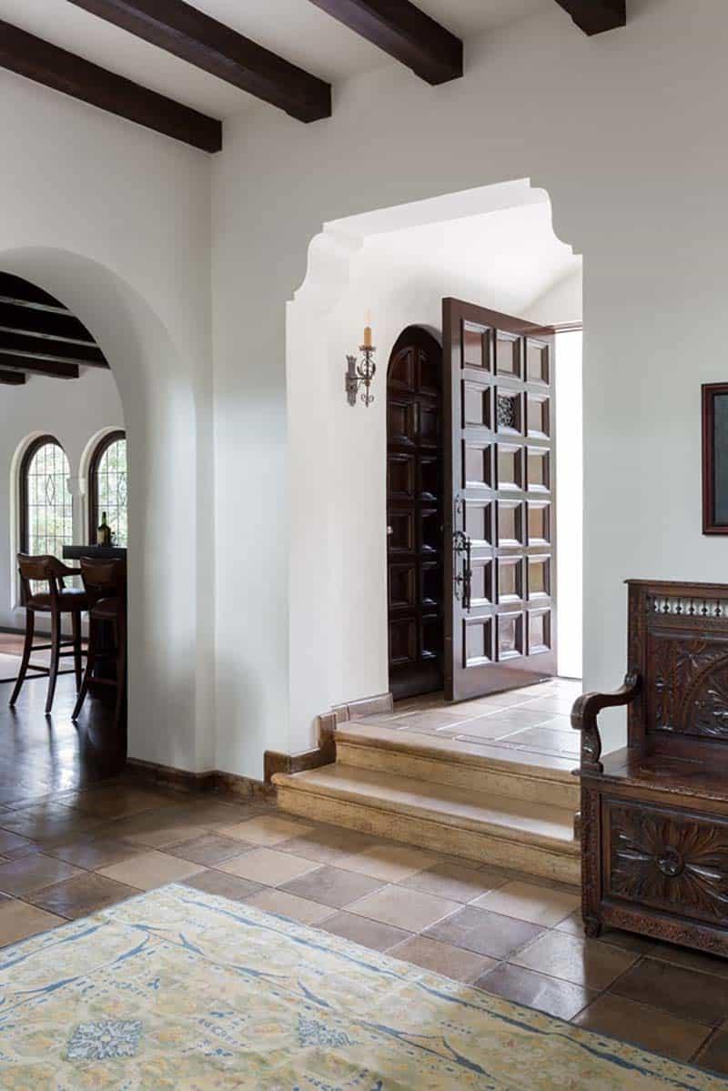 spanish-house-entry