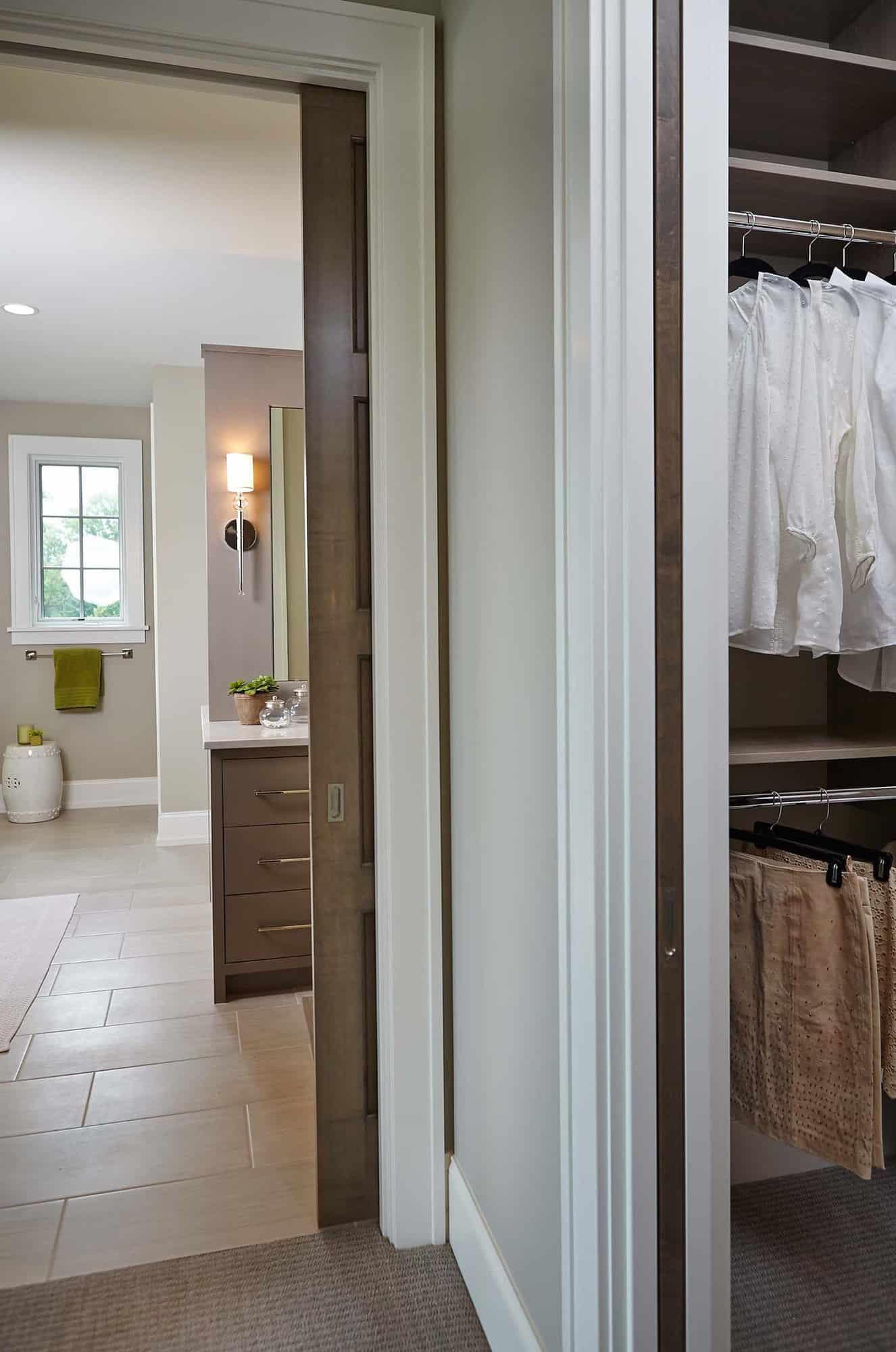 transitional-closet