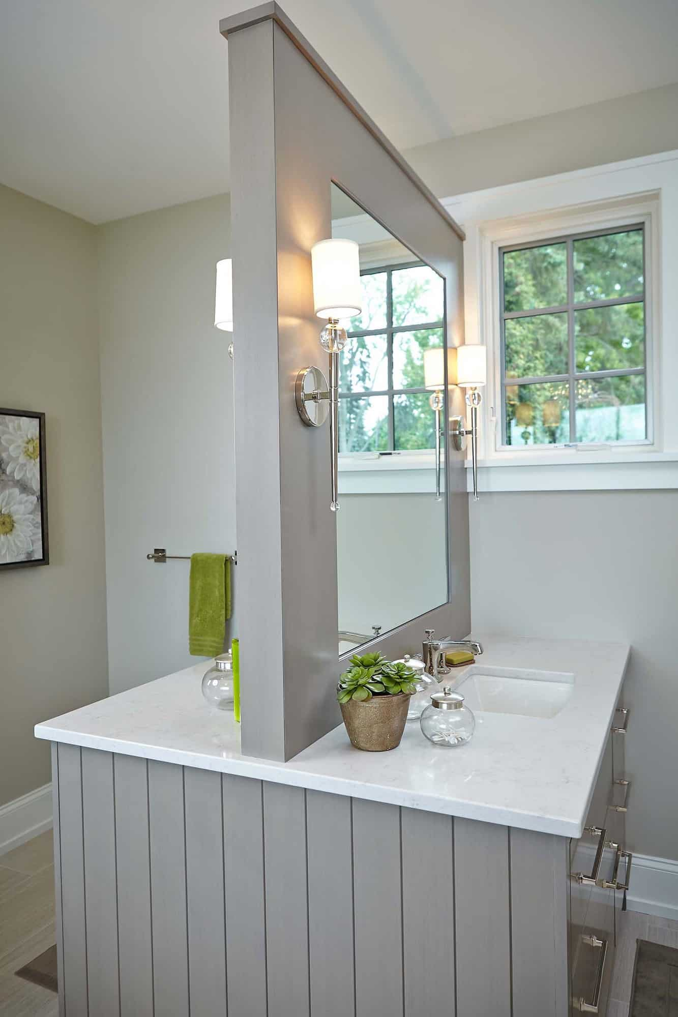 michigan-lake-house-traditional-bathroom