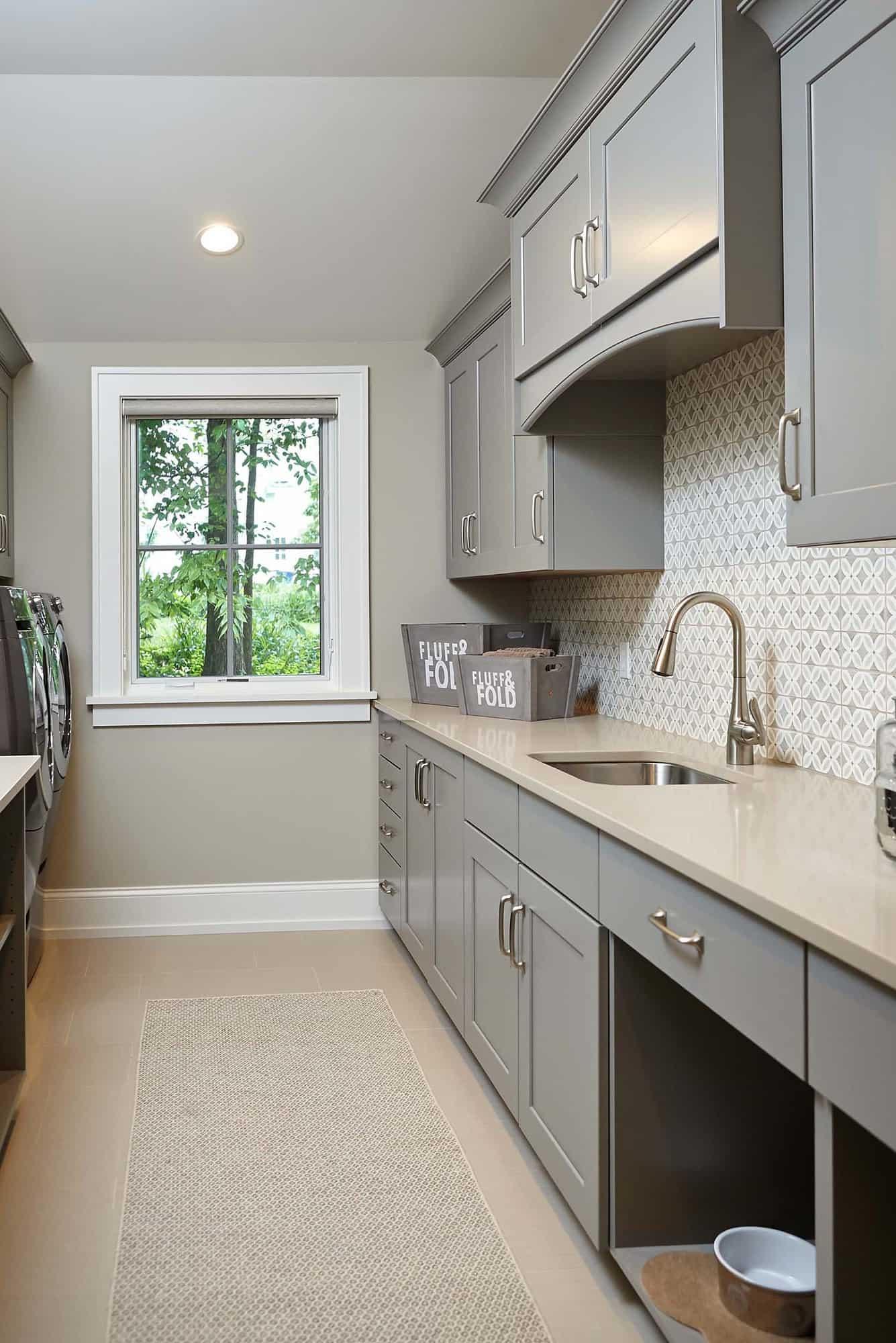 michigan-lake-house-traditional-laundry-room