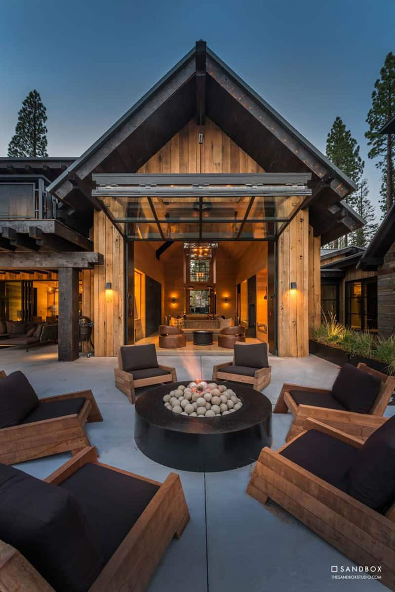 transitional-mountain-home-backyard-patio