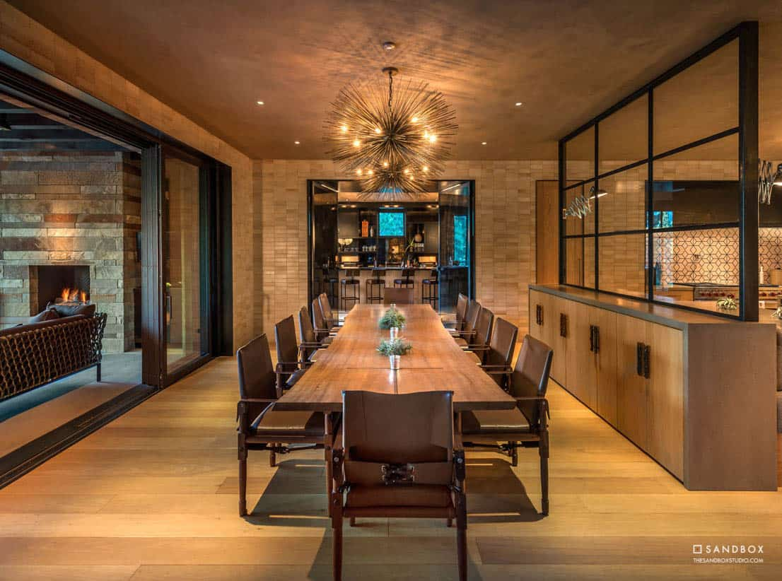 transitional-mountain-home-dining-room