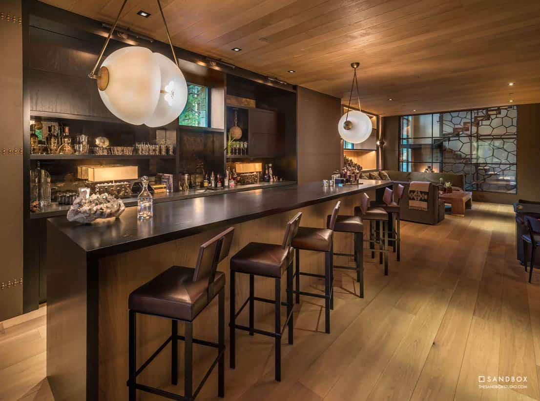 transitional-mountain-home-bar