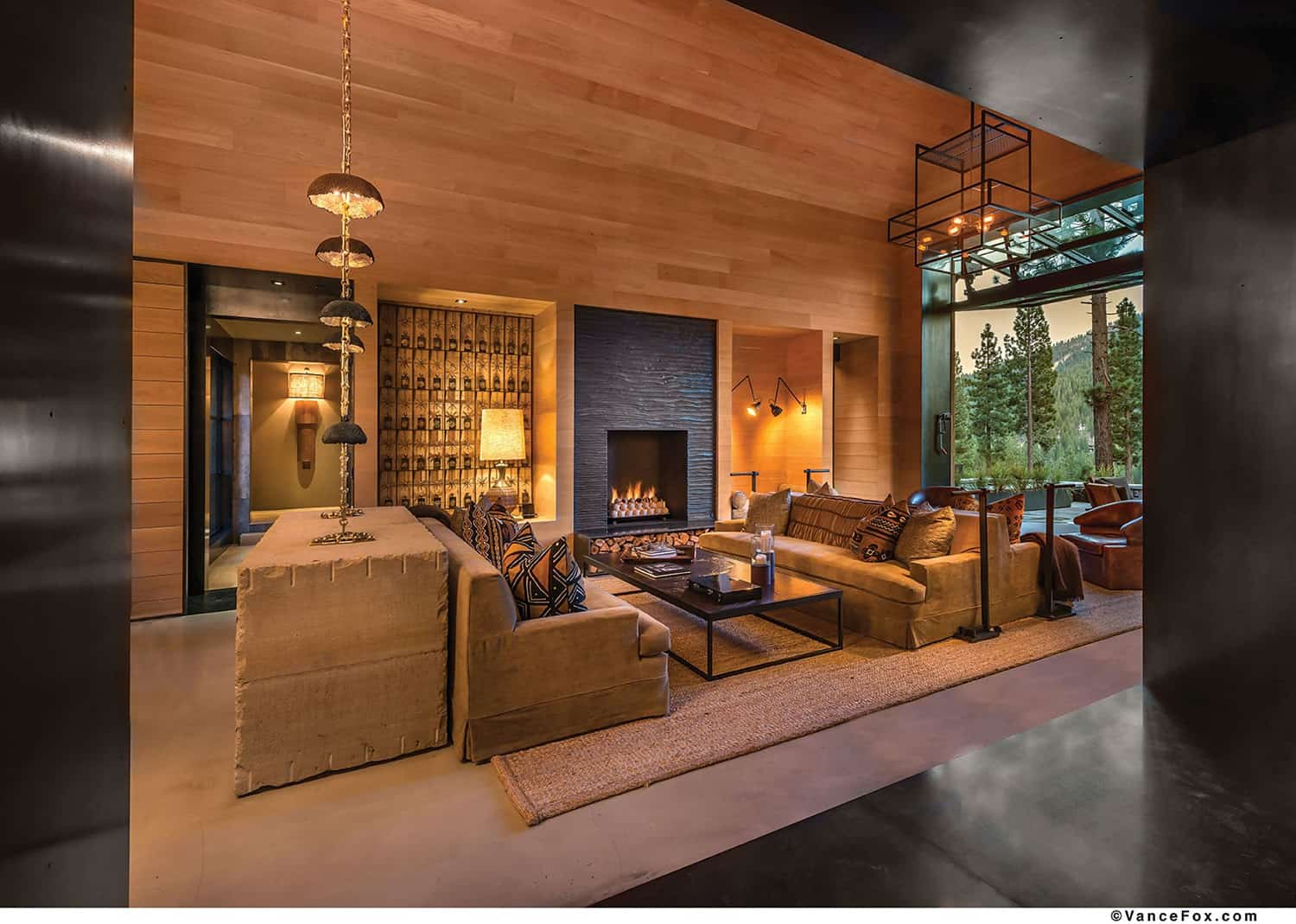 transitional-mountain-home-living-room