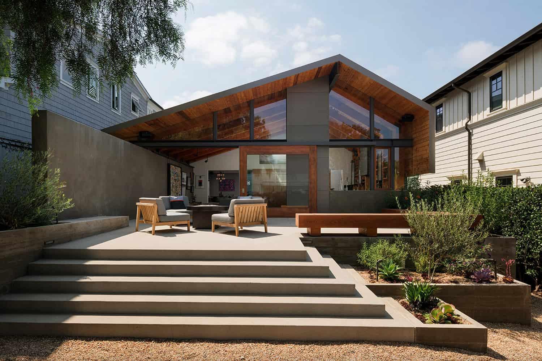 art-barn-patio
