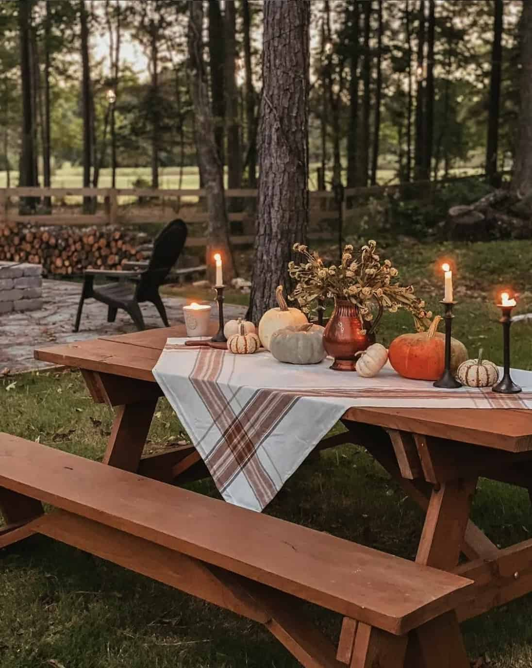outdoor-fall-table-setting