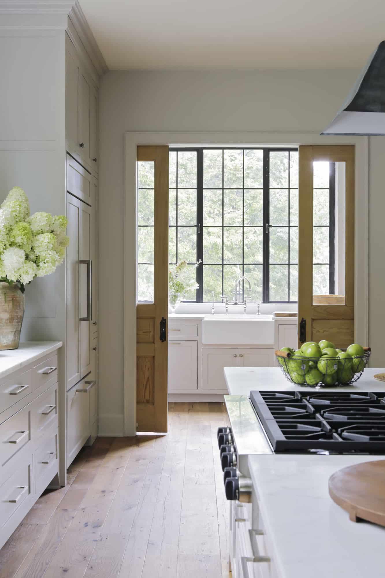 transitional-style-white-kitchen