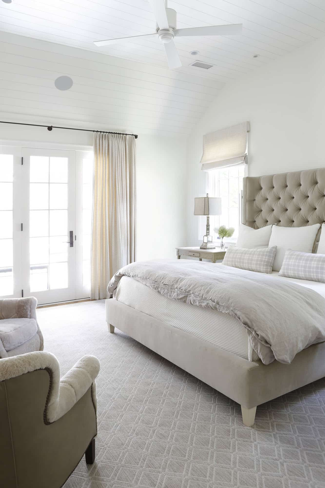 transitional-style-bedroom