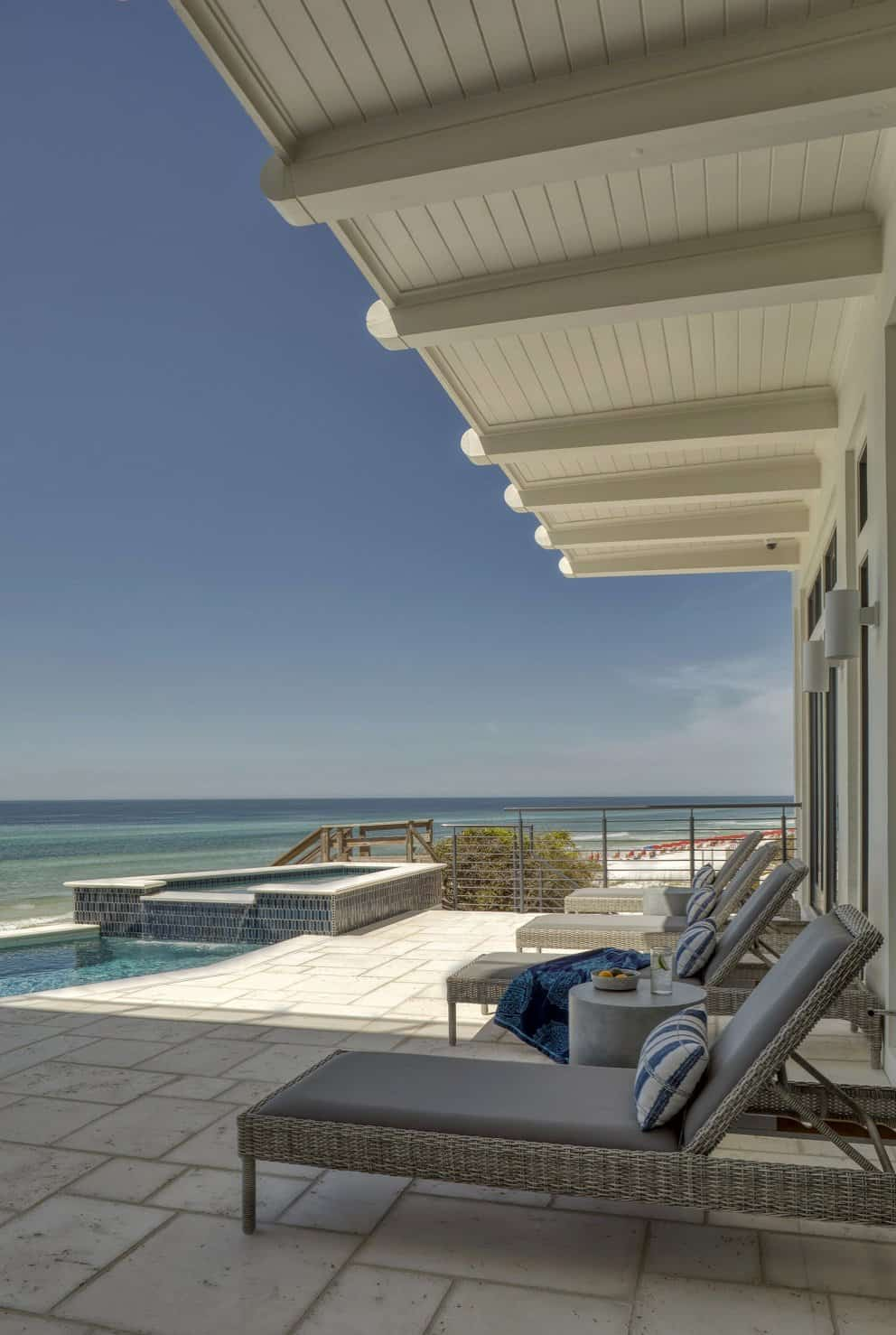 contemporary-beach-house-getaway-patio