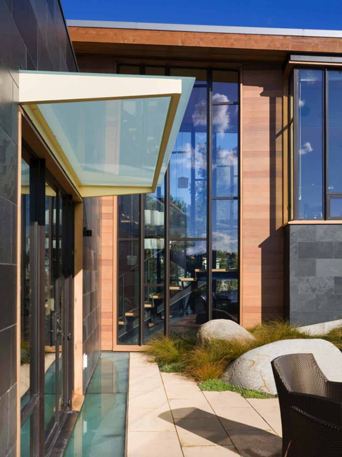 contemporary-patio-lake-washington