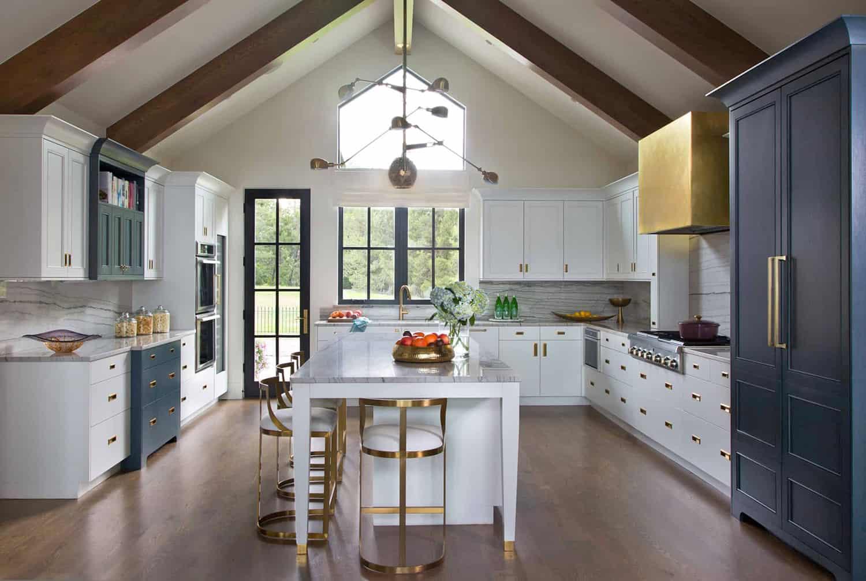 contemporary-lakeside-kitchen