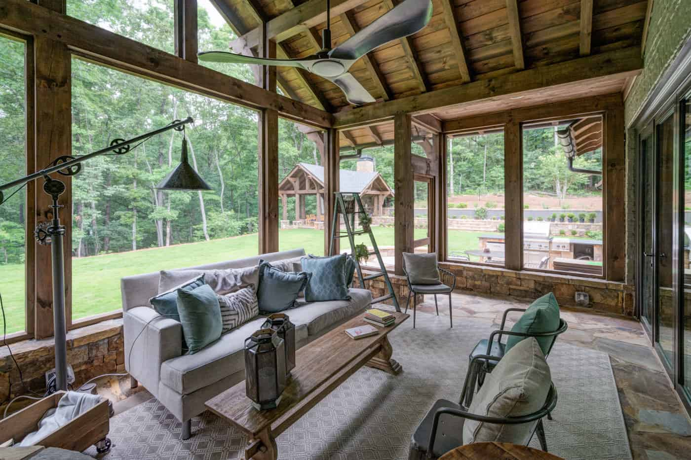 contemporary-ranch-style-screened-porch