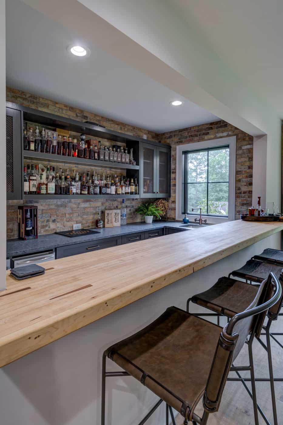 contemporary-ranch-style-basement-home-bar