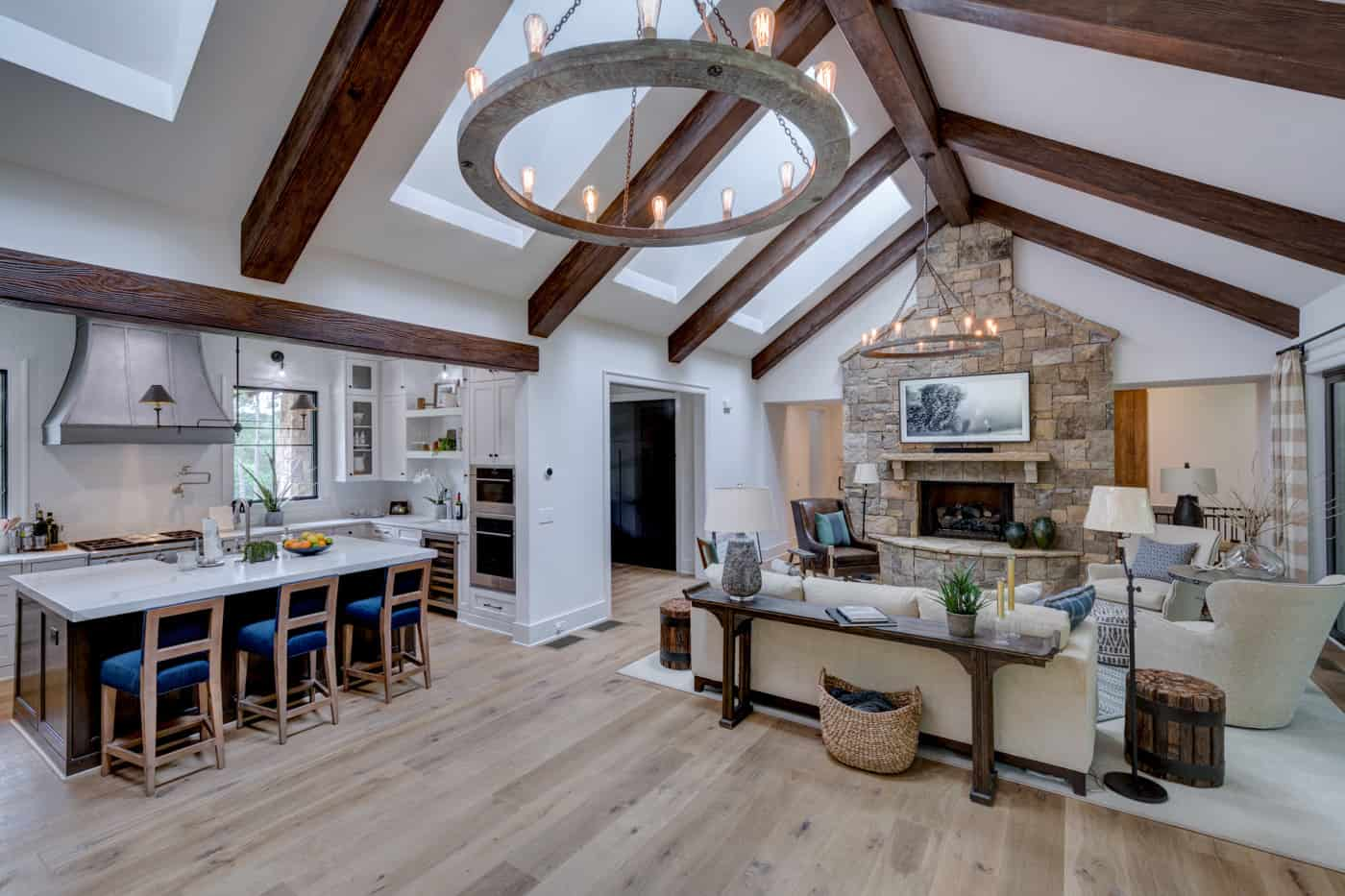 contemporary-ranch-style-living-room