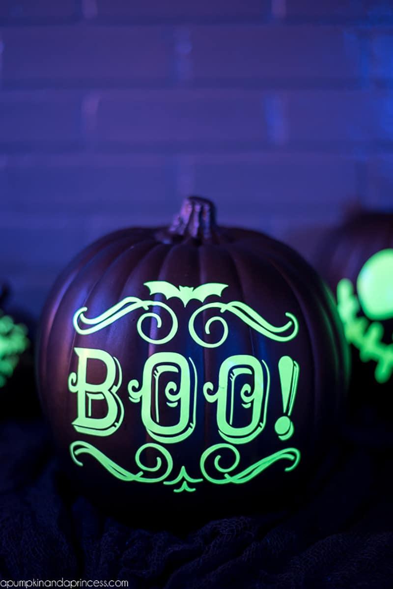 glow-in-the-dark-pumpkin