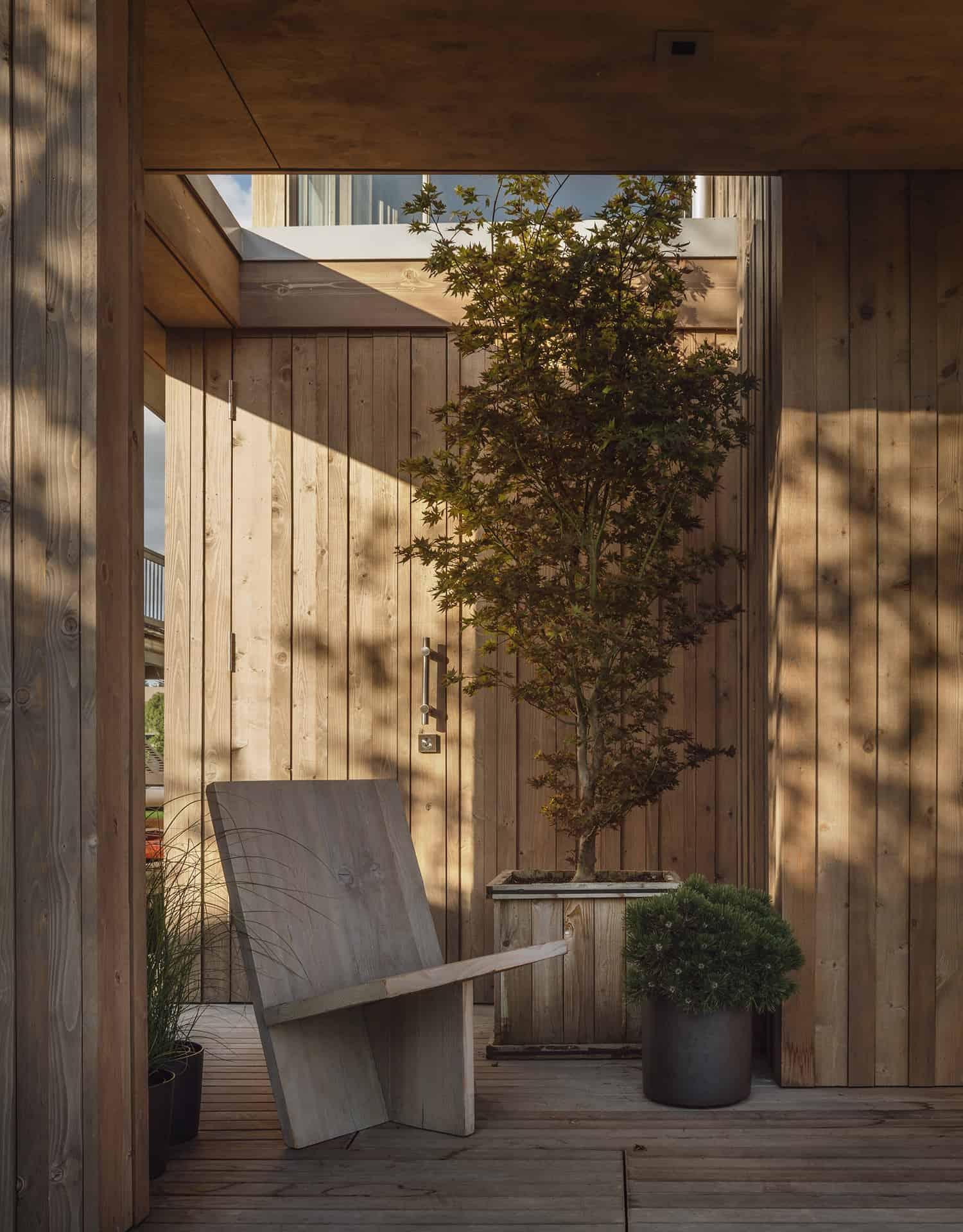 modern-cabin-front-porch