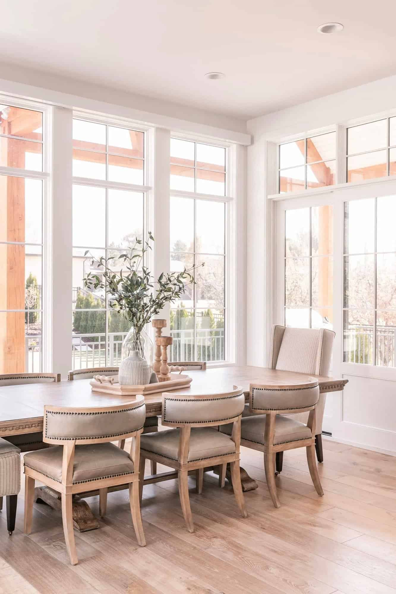 French-modern-style-dining-room