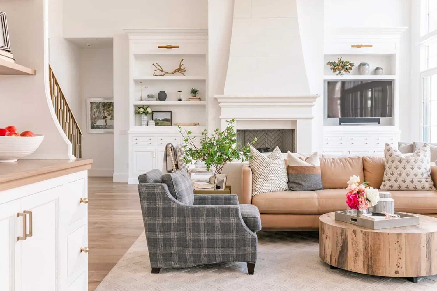 French-modern-style-living-room