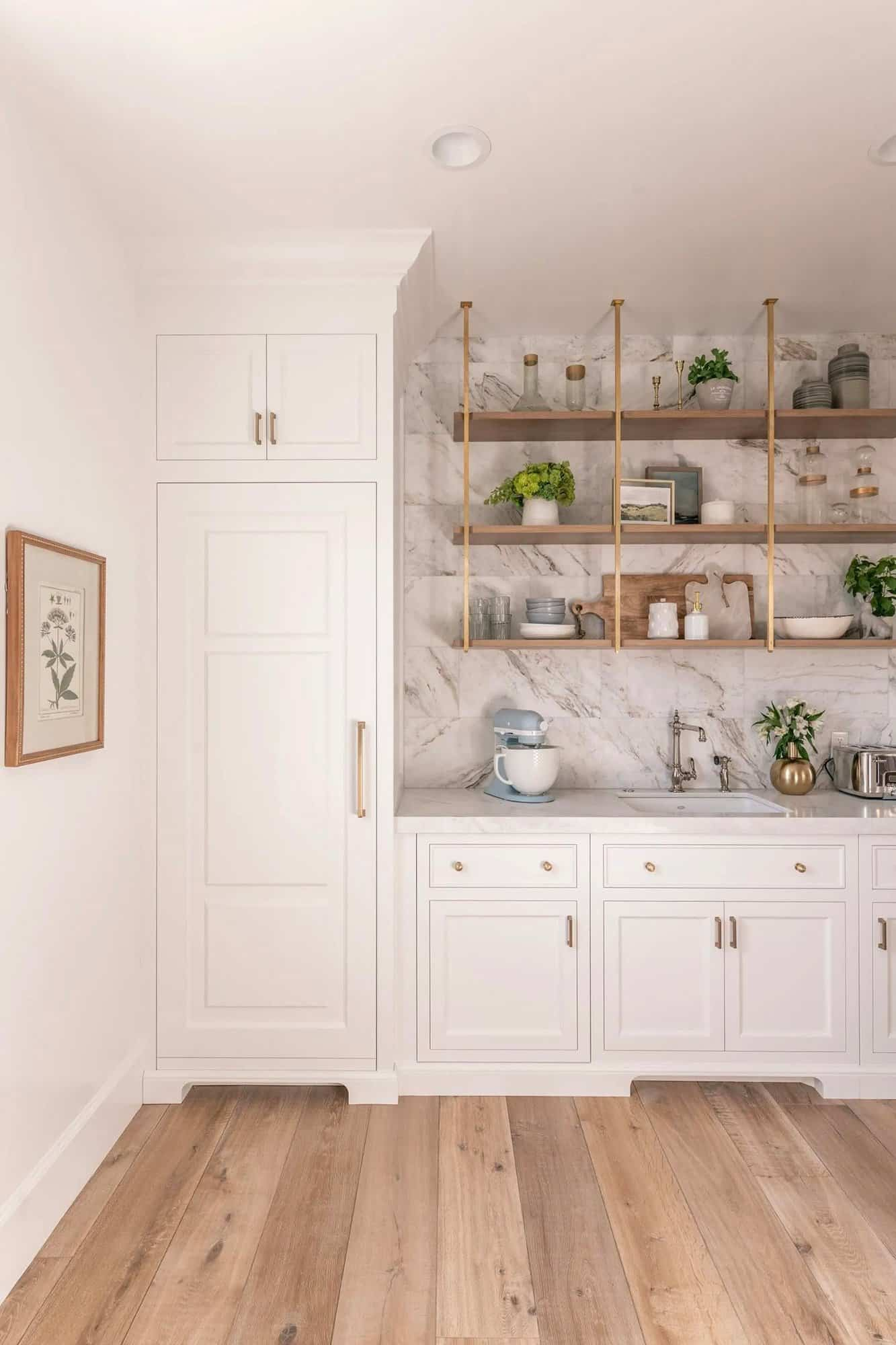 French-modern-style-kitchen-pantry