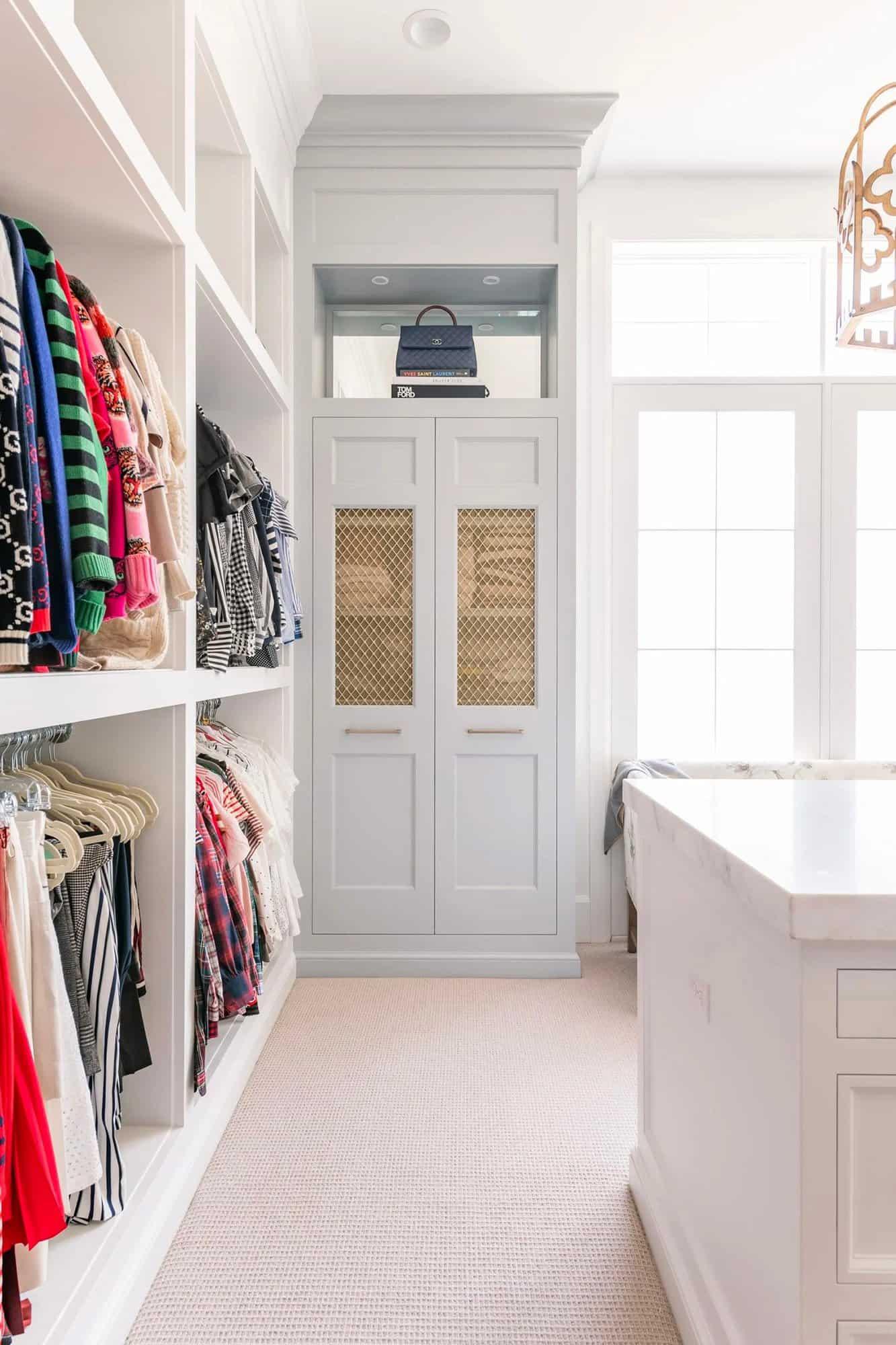 French-modern-style-closet