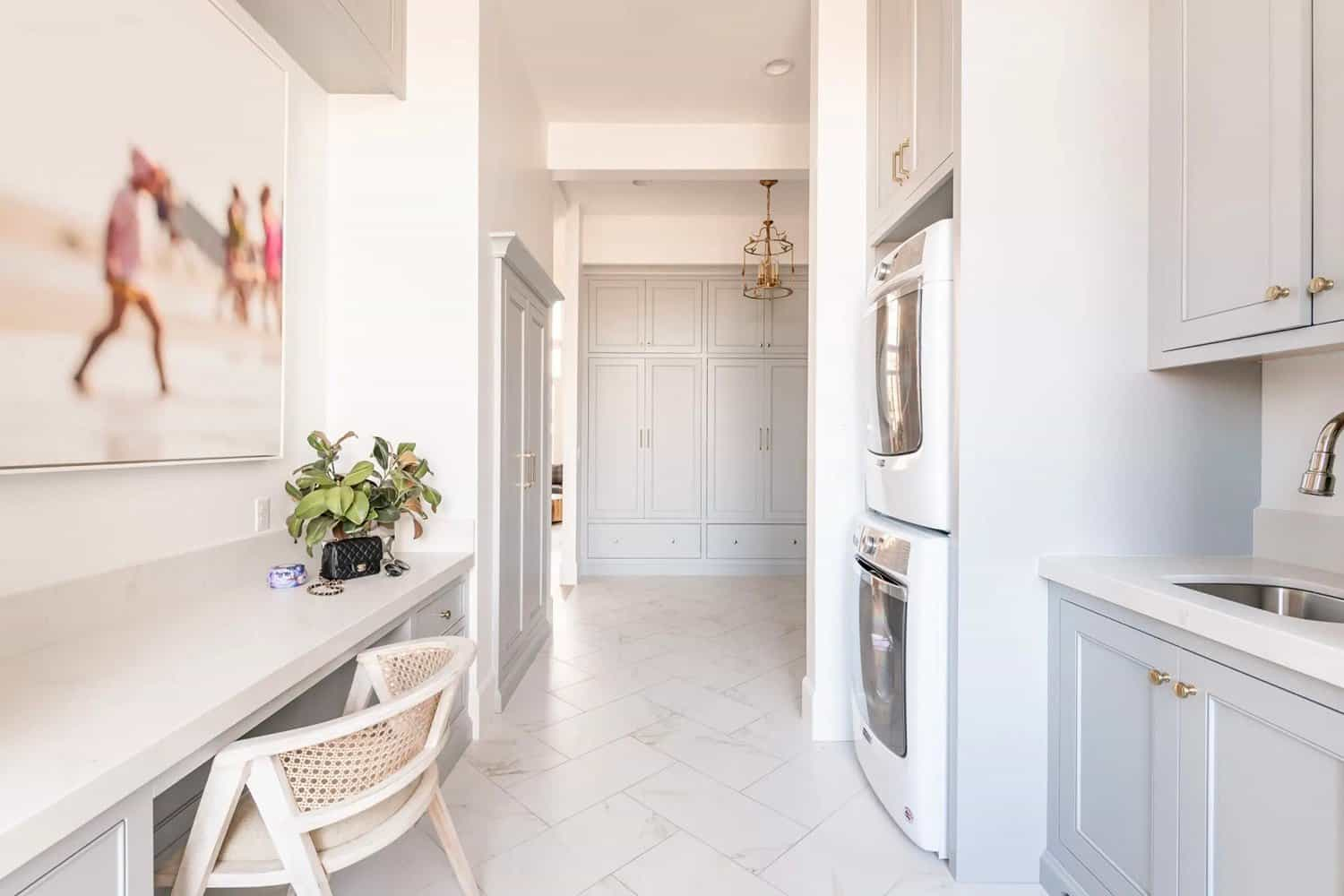 French-modern-style-laundry-room