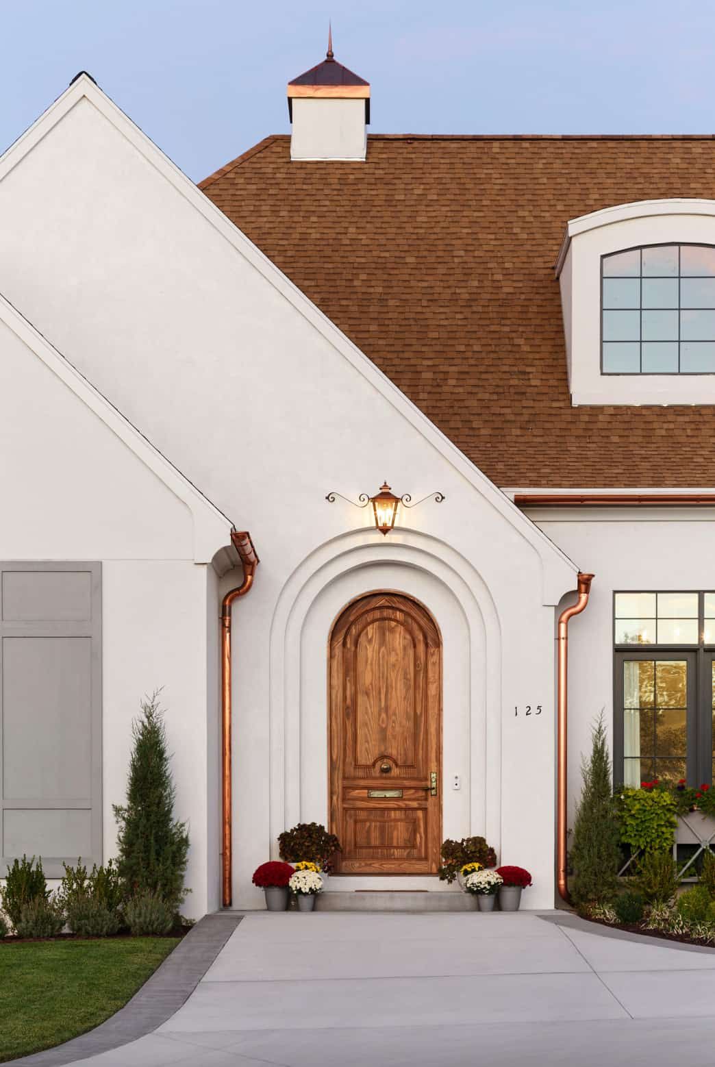 French-modern-style-home-entry