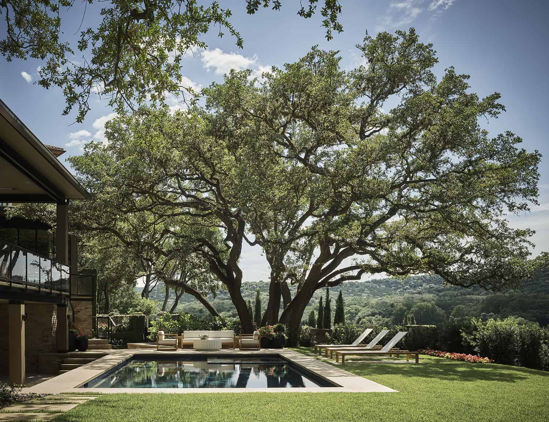 A beautifully reimagined lake house boast idyllic views over Lake Austin