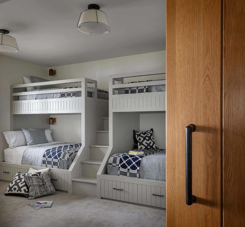 modern-coastal-style-bunk-bedroom