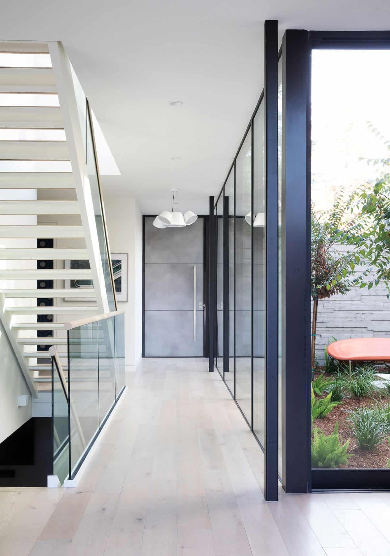 modern-hall-staircase