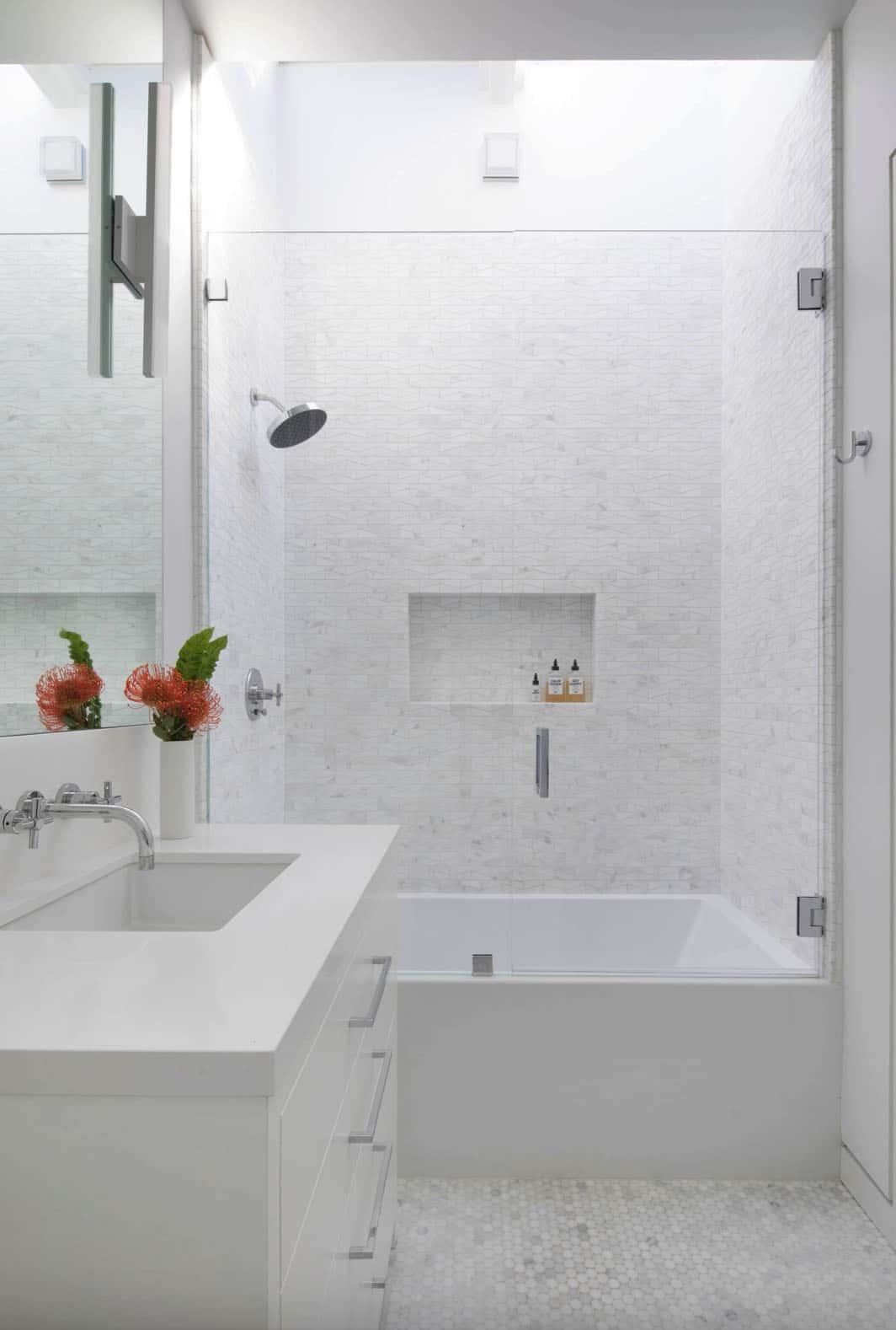 modern-teen-girl-bathroom