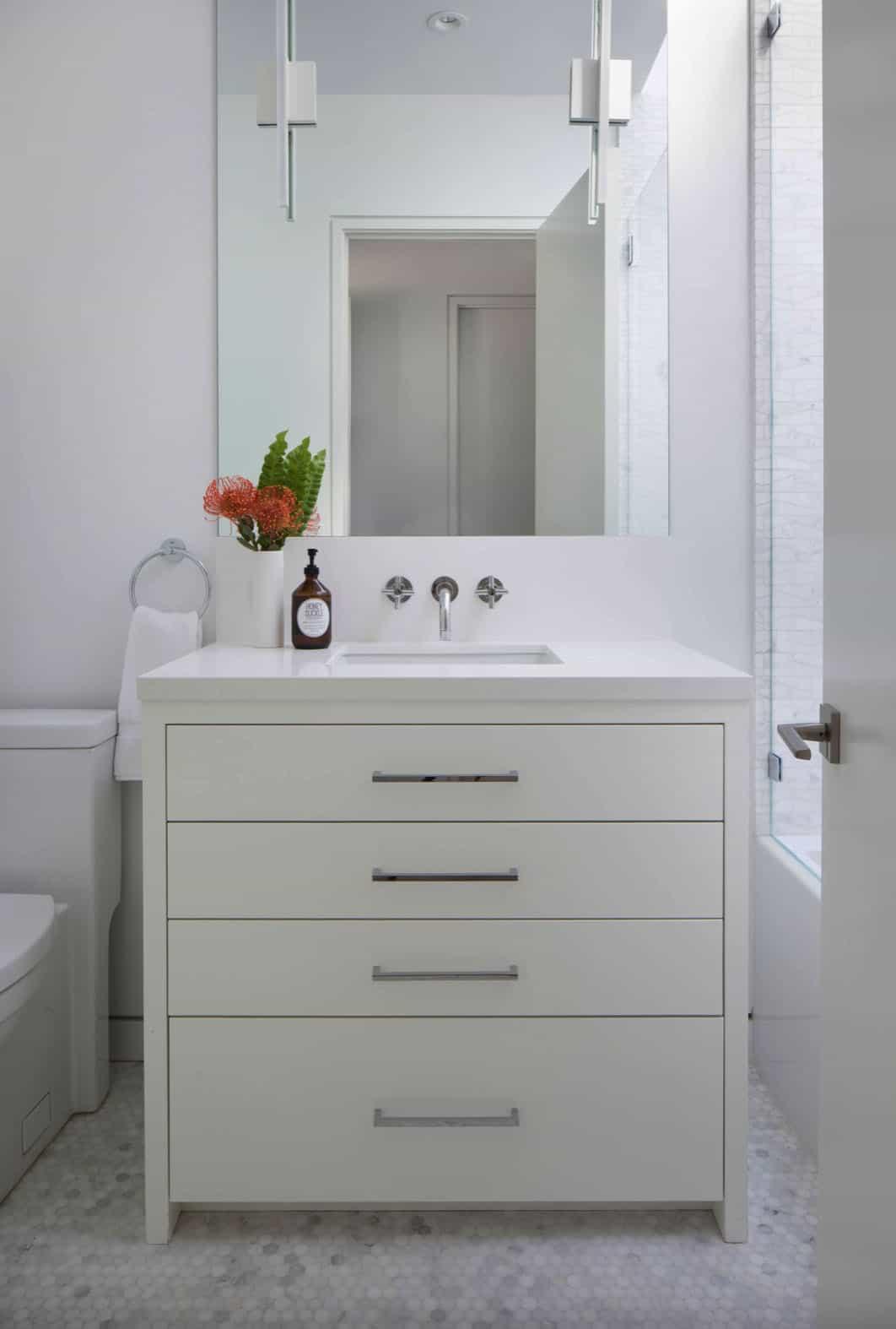 teen-girl-bathroom