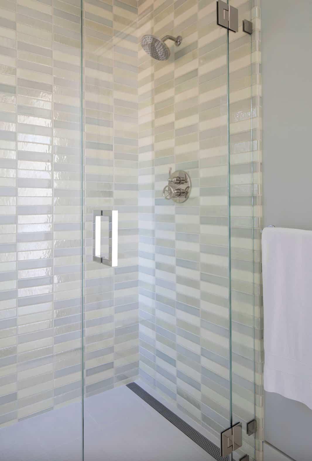 modern-guest-bathroom-shower