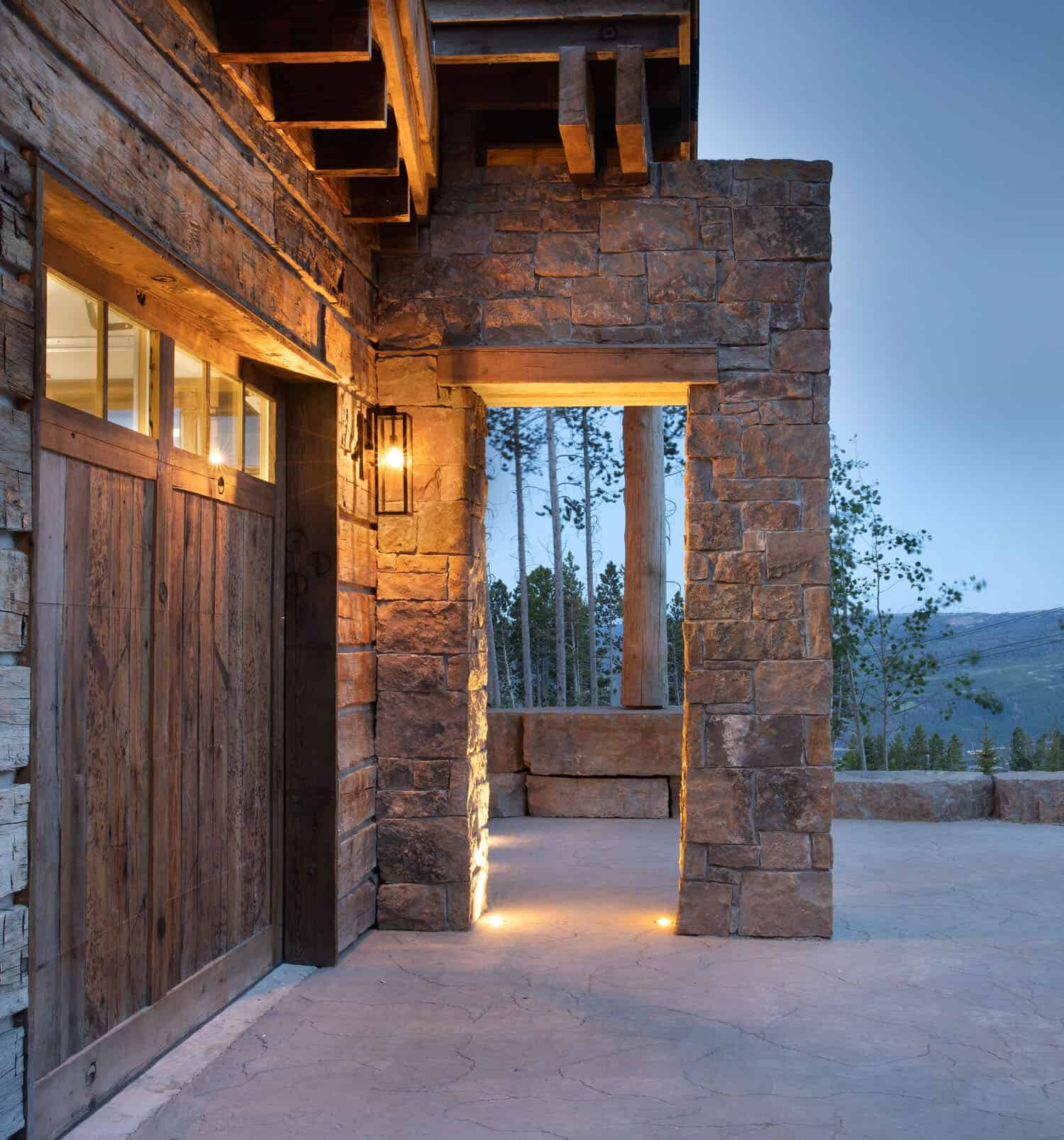 modern-rustic-mountain-home-exterior-garage