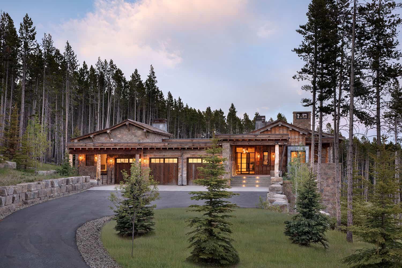 modern-rustic-mountain-home-exterior-dusk