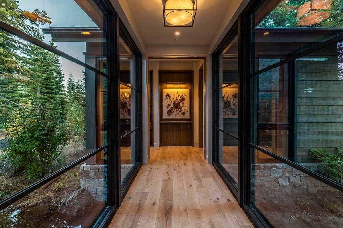 mountain-contemporary-hall