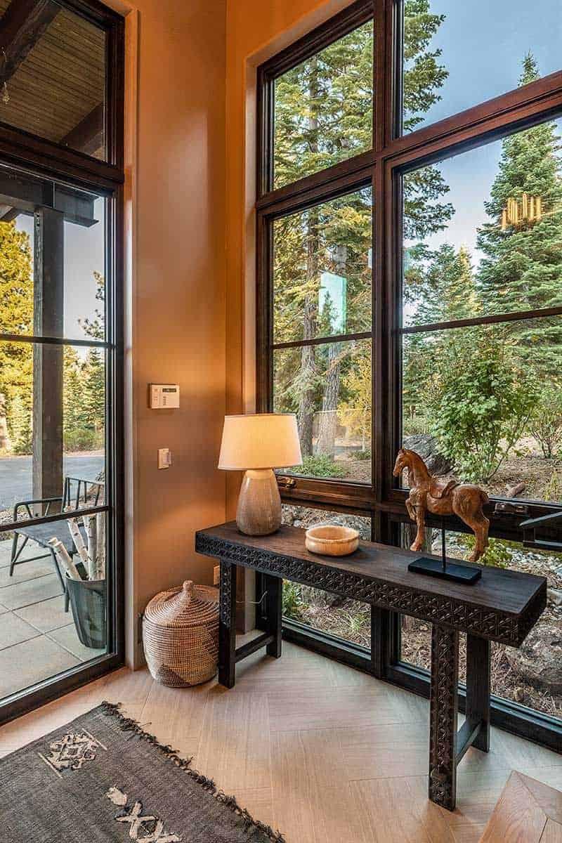 mountain-contemporary-home-entry
