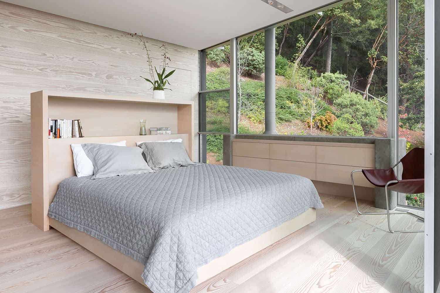 modern-california-wine-country-home-bedroom