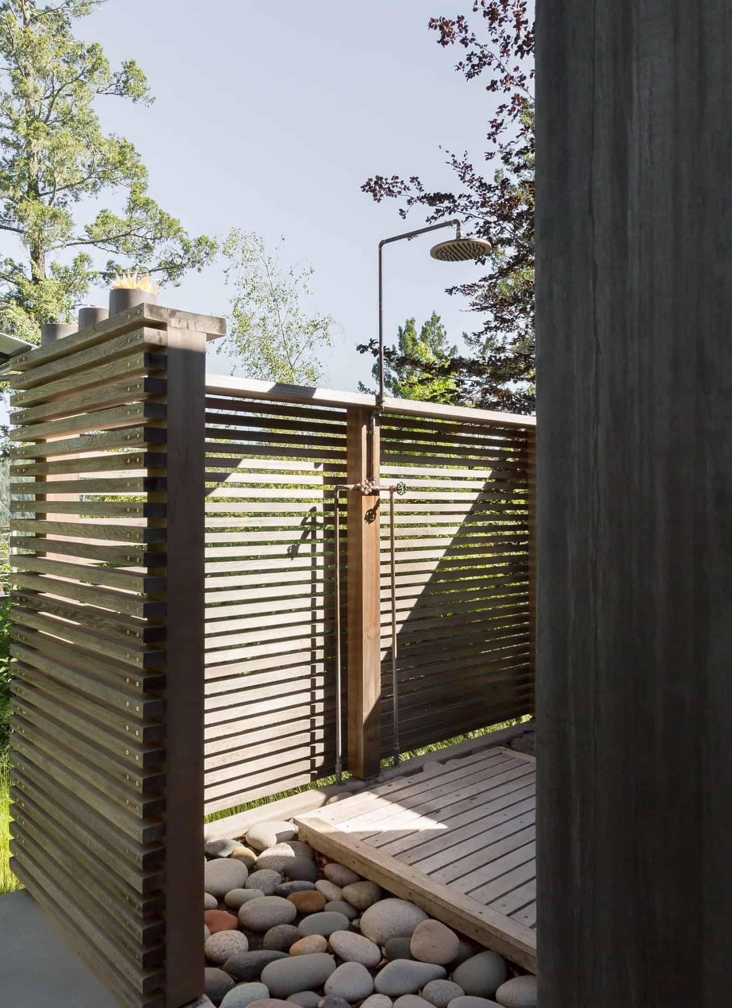 modern-outdoor-shower