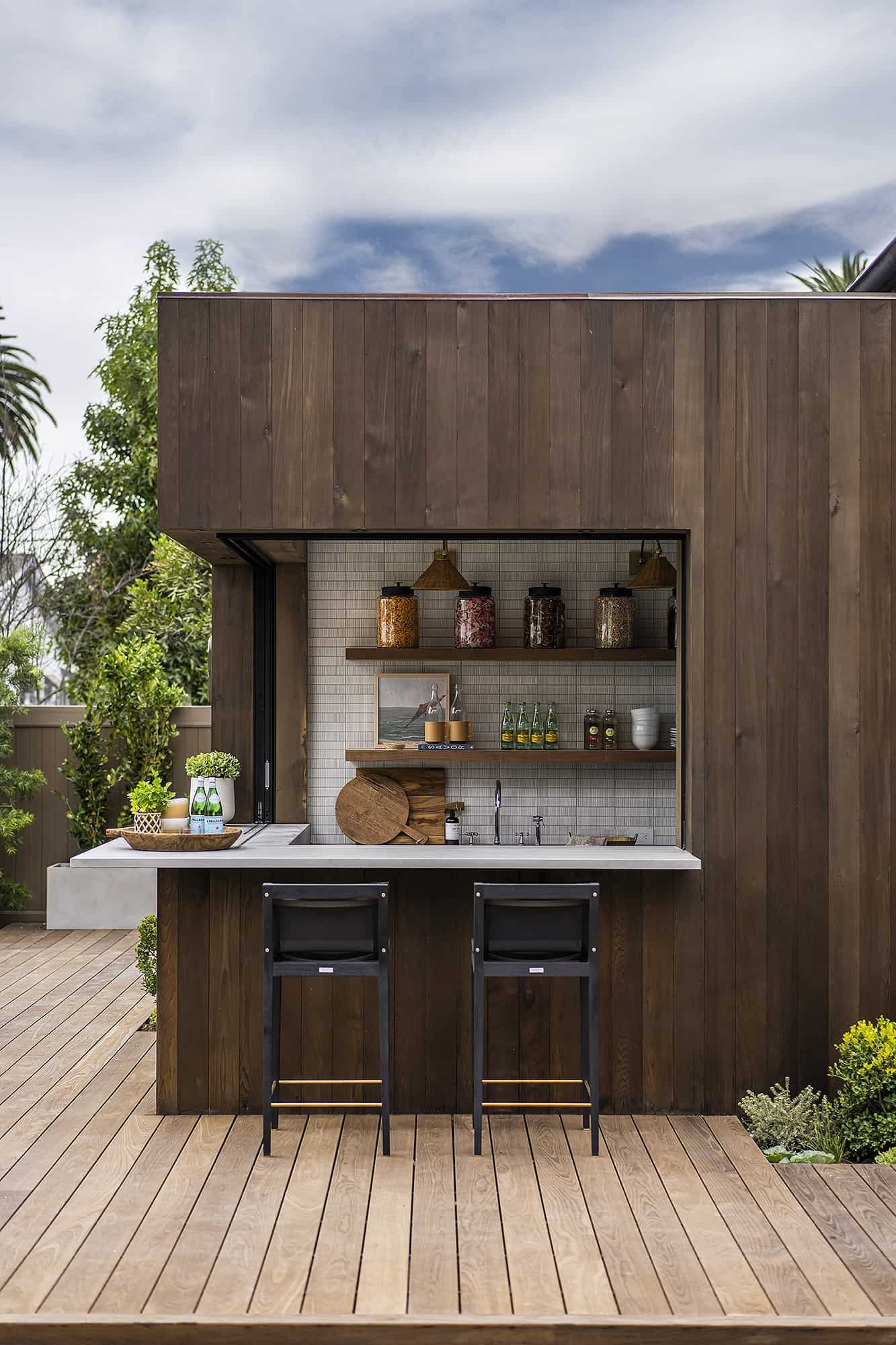 transitional-french-style-outdoor-bar