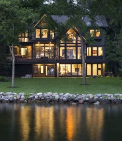 Rustic contemporary lake house with privileged views of Lake Minnetonka