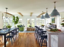 new-england-modern-farmhouse-kitchen