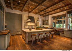 mountain-style-farmhouse-kitchen